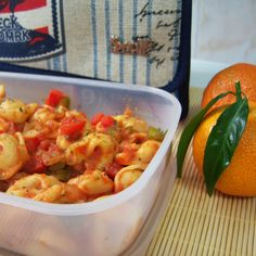 Tortellini de pollo con salsa de tomate. ¡Comer de tupper está de moda! #Snailbag #lunchbag #tuppertime #pasta #yummy #foodie #healthy #moda #chic #MadeInSpain #ShopOnline  http://www.snailbag.es/shop/anytime-collection/bolsa-porta-alimentos-isotermica-para-tuppers/lunchbag-snailbag-trademark/