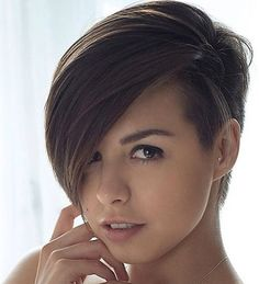 Pixie-Undercut-for-Straight-and-Curly-Hair.jpg 447×491 Pixel