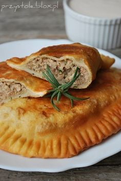Czebureki ( ... European Dishes, Simply Recipes, Polish Recipes, Lamb Recipes, Appetisers, Italian Recipes, Appetizer Recipes, Crimean Tatars, Food And Drink