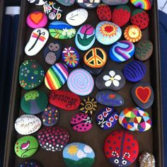 Best Easy Painted Rocks Ideas For Beginners (Rock Painting Inspirational & Stone Art) Kids Crafts, Summer Crafts, Diy And Crafts, Arts And Crafts, Rock Painting Ideas Easy, Rock Painting Designs, Painting For Kids, Pebble Painting, Pebble Art