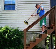 s your totally doable 31 day plan to a clean home, cleaning tips, home decor, Day 15 Clean vinyl siding up curb appeal