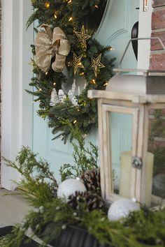 Diy Christmas Ornaments, Christmas Wreaths, Glitter Spray Paint, Faux Snow, O Holy Night, Diy Workshop, Bottle Brush Trees, Christmas Villages, Star Ornament