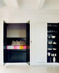 Une pièce dans un placard