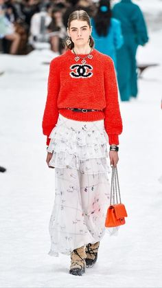 Chanel Herbst/Winter Ready-to-Wear - Fashion Shows.- Chanel Herbst/Winter Ready-to-Wear – Fashion Shows Estilo Fashion, Fashion Moda, High Fashion, Ideias Fashion, Fashion Trends, Vogue Fashion, Karl Lagerfeld, Fall Collection, Fashion Show Collection