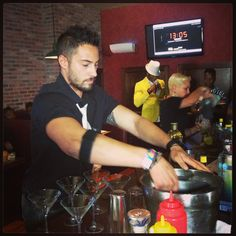 Ready to enchant judges, this bartender shook it down. #UptownBattle