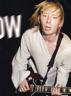 Never seen him playing an SG. Great Bands, Cool Bands, Colin Greenwood, Thom Yorke Radiohead, Music Maniac, Billy Corgan, Billie Joe Armstrong, Chris Cornell, Alternative Music