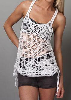 Adorei essa camiseta de crochet, pode ser usada de várias maneiras e dá um enorme diferencial, numa roupinha básica, saída de praia......