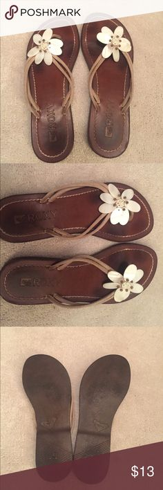 Roxy Leather and Shell Sandals Iightly worn size 6.5 leather and seashell Roxy Sandals Roxy Shoes Sandals