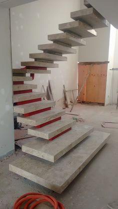 Escada mista cascata vazada executada em Sorocaba/SP, condomínio Campos do Conde. Contato: 11 973951354 Vivo/Whatsapp Email: Del...