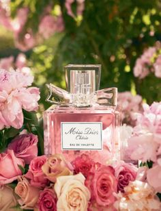 Photo Credit When it comes to perfume, French couture brand Dior definitely does it right. Their designer fragrance line, Miss Dior Cherie is one of their most Miss Dior, Carolina Herrera Parfum, Christian Dior, Perfume Chanel, My Favorite Color, My Favorite Things, Deco Rose, Just Girly Things, Pink Things