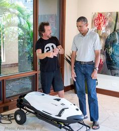 Picture of Pearl Jam frontman Eddie Vedder hanging out with President Obama. -- read article -- http://www.alternativenation.net/new-photo-eddie-vedder-president-obama-hanging-hawaii/