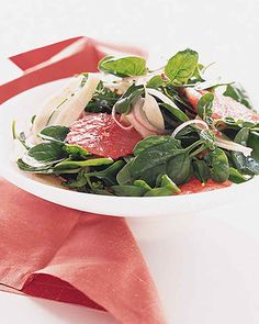 Top this red-grapefruit-and-fennel salad with a citrus-based dressing, such as Green Herb Sauce or Creamy Lemon Buttermilk Vinaigrette.