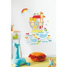Een prachtige muursticker die geleverd wordt op twee vellen van elk 67x47cm.Op de twee vellen staan de ark met dieren, losse golven en vissen, een regenboog en losse dieren afgebeeld.Een (slaap)kamer fleurt helemaal op met deze sticker op de muur!