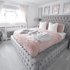 Best 27 Room Decor Bedroom Design Ideas For Your Inspiration Teen Bedroom Designs, Bedroom Decor For Teen Girls, Room Ideas Bedroom, Teen Room Decor, Home Decor Bedroom, Classy Bedroom Ideas, Small Girls Bedrooms, 1920s Bedroom, Girls Bedroom Colors