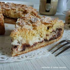 La sbriciolata con ricotta, mandorle e cioccolata è un dolce con base pasta frolla e ripieno di ricotta, crema di mandorle e gocce di cioccolato.
