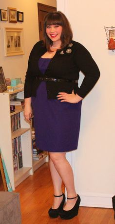 Pretty look with one inch belt over cardigan - plus size fashion tips