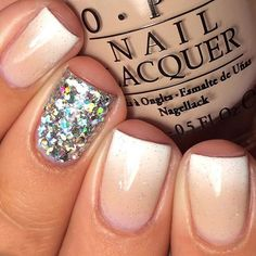 Fails art ideas for spring makeup tutorials Ideas Matte Nails, Gel Nails, Nail Polish, Essie, New French Manicure, Glitter Accent Nails, Nailart, Finger, Silver Ombre