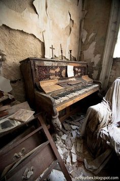 The Berkyn Manor music room in Berkshire, England - also known as Bull Manor, has been in a state of decay since the last resident Ernest Raymer died in The property has existed since the although the manor was rebuilt in # Abandoned Property, Abandoned Mansions, Abandoned Houses, Old Houses, Haunted Houses, Abandoned Castles, Derelict Places, Derelict Buildings, Old Buildings