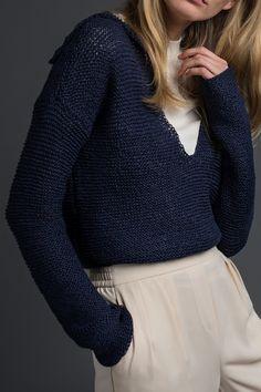 Kostenlose Strickanleitung: Pullover mit V-Ausschnitt und Kragen - Initiative Handarbeit