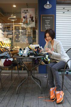Touch Ground 70's Vintage Sneakers 탤런트 엄수정 스니커즈 Vintage Sneakers, Sneaker Brands, Desk, Collection, Home Decor, Desktop, Decoration Home, Room Decor, Table Desk