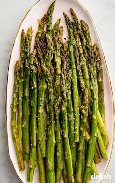 make perfect roasted asparagus every time. Get the recipe from .to make perfect roasted asparagus every time. Get the recipe from . Oven Roasted Asparagus, Asparagus Soup, How To Cook Asparagus, Asparagus Recipe, How To Cook Quinoa, Asparagus Casserole, Asparagus Fries, Roasted Vegetable Recipes, Veggie Recipes
