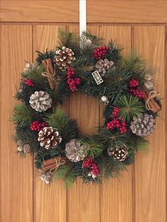 Easy to make homemade wreath.