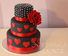 Wedding Cakes Black Red Polka Dots 19 Ideas For 2019 Beautiful Birthday Cakes, Beautiful Cakes, Amazing Cakes, Black Wedding Cakes, Cool Wedding Cakes, Red Cake, Valentines Day Cakes, White Cakes, Gateaux Cake