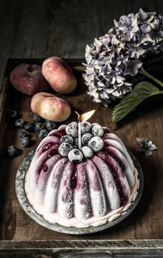 ... peach and blueberry frozen yogurt cake ...