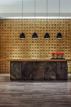 pierre de parement intérieur spa-luxe-sol-parquet-suspensions