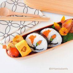 Poppy flower kazarimaki sushi (sushi art roll) by Little Miss Bento  シャリーのかわいいキャラベン
