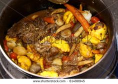 21 Mouth Watering Foods Everyone Needs To Eat In South Africa Braai Recipes, Dinner Recipes, South African Recipes, Ethnic Recipes, Good Food, Yummy Food, Outdoor Food, Mouth Watering Food, Pot Roast