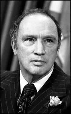 Pierre Trudeau created a strong federal government before he became prime minister. Prove was his response to the FLQ Crisis, his rejection of Quebec separatist movement and promotion of official bilingualism. He implemented of the War Measures Act. I Am Canadian, Canadian History, Canadian Culture, Pierre Trudeau Quotes, Commonwealth, Herbert Lom, Canada Eh, Justin Trudeau, Largest Countries