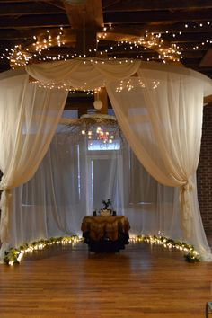 Guest Pictures??? Minus the balloons...Corporate Events Springfield Missouri, Wedding Venue Springfield Missouri - 425 Downtown