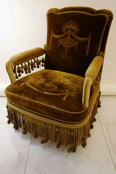 Antiker Relax Sessel Stuhl Sessel Easychair Armlehne Samt Holz chair englisch Accent Furniture, Antique Furniture, Victorian Gardens, Relax, My Dream Home, Interior Ideas, Home Projects, Retro Vintage, Organize