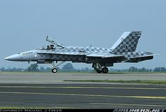McDonnell Douglas CF-188A Hornet (CF-18A) aircraft picture