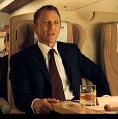 James Bond Style, New James Bond, Daniel Craig James Bond, Jonathan Scott, Rachel Weisz, British Actors, American Actors, Shraddha Kapoor, Priyanka Chopra