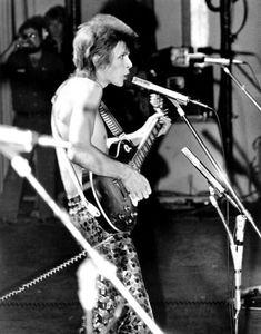 vezzipuss.tumblr.com — David Bowie, Circa72