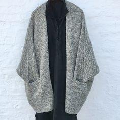Ravelry: Outside pattern by Lone Kjeldsen Diy Knitting Cardigan, Knitting Yarn, Baggy Pants, Holiday Sweater, Cardigan Outfits, Alpacas, Knitting For Kids, Ravelry, Knitwear
