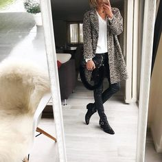 Get easy-to-understand data and statistics about your Instagram account and make smart marketing decisions with WEBSTA! Daily Look, Travel Style, Duster Coat, Photo And Video, Chic, Jackets, Statistics, Cardigans, Friday