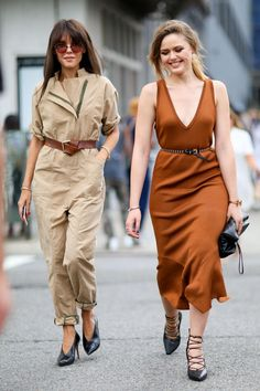 Street Style - 30 Chic No Bra Outfits to Try Now