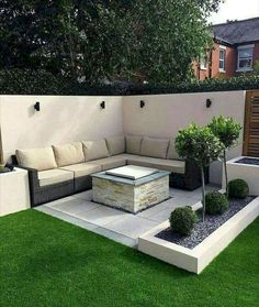 50 Awesome Modern Garden Architecture Design Ideas - PIMPHOMEE Best Picture For small patio backyard Small Courtyard Gardens, Small Courtyards, Outdoor Gardens, Balcony Garden, Courtyard Design, Garden Bed, Garden Plants, Courtyard Ideas, Front Gardens