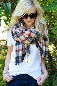 Flannel Fixes: 8 Plaid DIY Projects for Winter - Blanket scarf tutorial Diy Blanket Scarf, Diy Scarf, Flannel Blanket, Plaid Scarf, Fringe Scarf, Flannel Shirt, Fashion Moda, Diy Fashion, Autumn Fashion