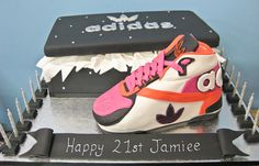 I WANT THIS CAKE FOR MY 21ST BIRTHDAY SOOOOO BAD! But will a real shoe: The Adidas Samoa. Ahhhh. Bliss.