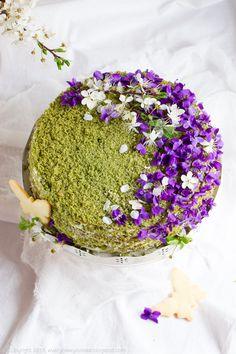 violet matcha cake