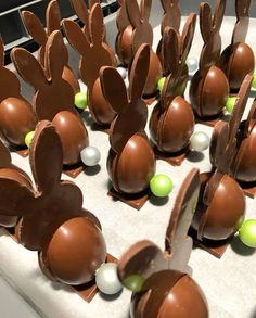 Chocolate Heaven, Chocolate Shop, Easter Chocolate, Decadent Chocolate, Love Chocolate, Homemade Chocolate, Chocolate Lovers, Chocolates, Chocolate Sculptures