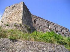 Oggi il Castello Carafa di Cirò apre le porte ai turisti e appassionati di Cultura - Un'occasione unica per ammirare il prezioso pavimento dell'atrio del 500  - http://www.ilcirotano.it/2017/08/08/oggi-il-castello-carafa-di-ciro-apre-le-porte-ai-turisti-e-appassionati-di-cultura/