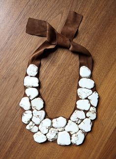 white turquoise on brown leather. new idea for bib necklace. great way to use up some of my leather scrap stash...just need the beads;)