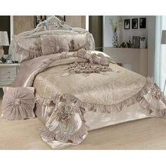 Beige Comforter, Luxury Comforter Sets, Blue Comforter Sets, Floral Comforter, Ruffle Bedding, Vintage Bedroom Furniture, Bedroom Vintage, Bedroom Decor, Victorian Bedroom