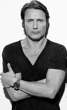Mads Mikkelsen/Hannibal {I don't care is the same face}. Can we talk about how handsome this cannibal is?!