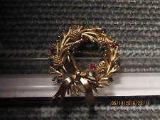 Trifari vánoční věnec Pin